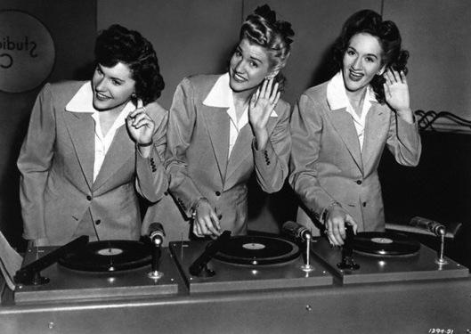 Playlist girl - Ave The Sound
